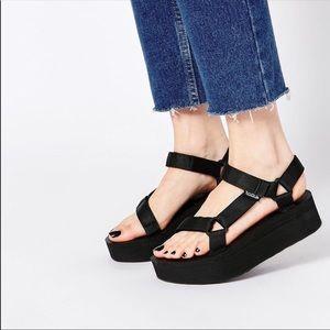 Teva universal flatform sandal size 9